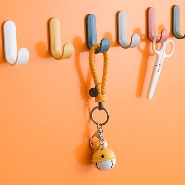 4pcs Plastic Hooks